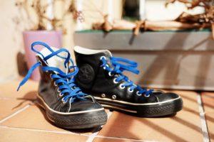 素早く結べてほどけにくい最強の靴紐の結び方「イアン結び」